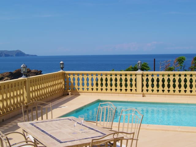 Comfortable detached-house, well-appointed and well-furnished for 8 persons.