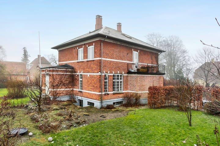 Nice villa apartment in beautiful Roskilde - Roskilde - Haus