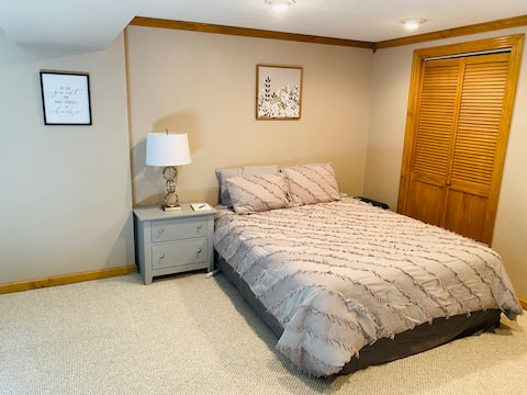 Private Peoria Guest Suite, rest & relax