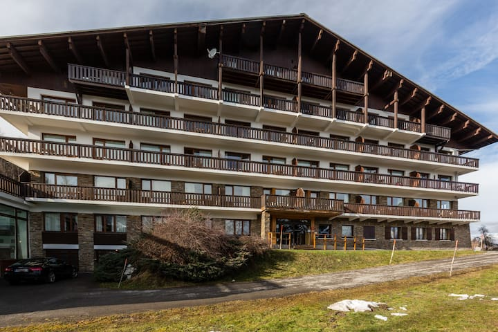 Studio with Balcony and Pool in Combloux! # GC41