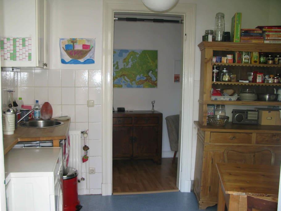 Blick von der Küche zum Flur