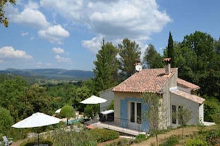 Attractive holiday home with private pool, stunning views, surrounded by nature!