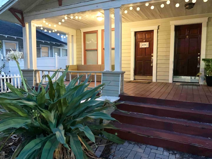 #1 - SOHO Hyde Park Bungalow Apt Near Downtown TPA