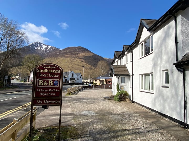 Strathassynt B&B twin room ensuite near Glencoe