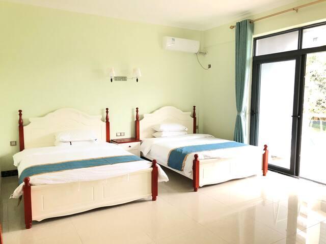二楼双床卧室