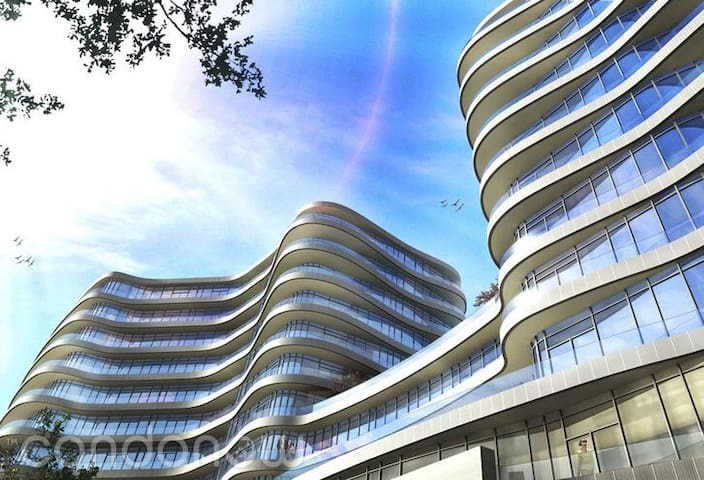 Brand-new Luxury Condo Shops at Don Mills