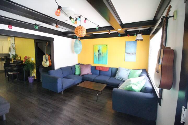 Shared Girls Room in Creative Community!