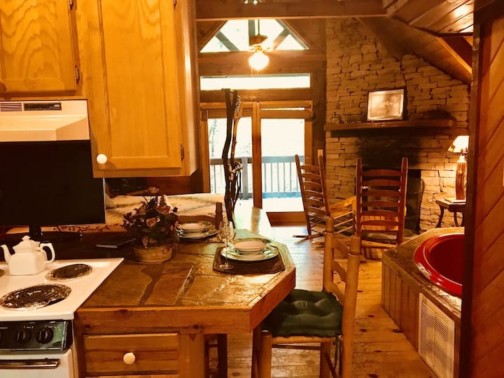 Pet Friendly Hot Tub Cabin -Private