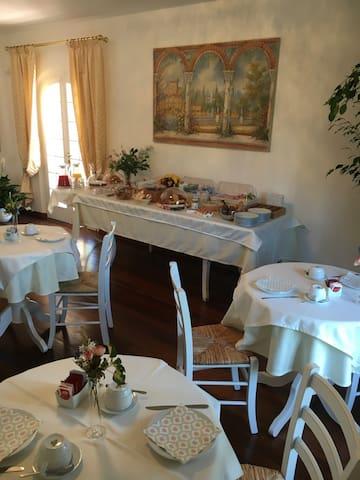 B&B Villa Chiara - Camera Torretta - Rosignano Solvay-Castiglioncello - Bed & Breakfast