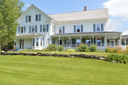 1860's Farm house - Stowe - Bed & Breakfast