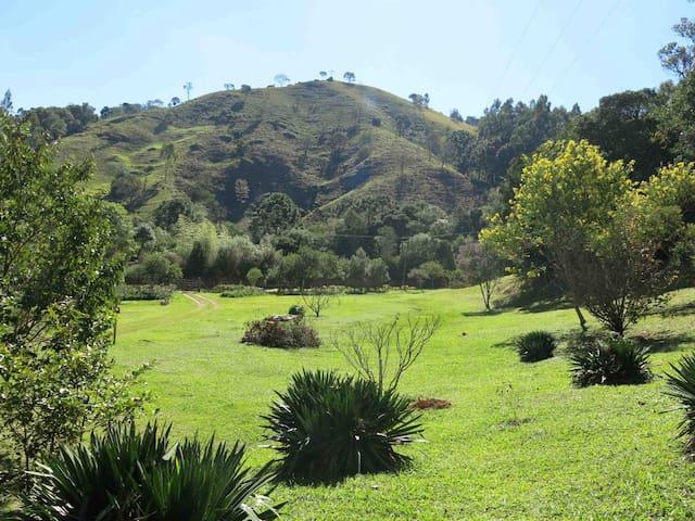 Suíte familiar na Estrada Real e a 24km de Paraty - Cunha - Apartament