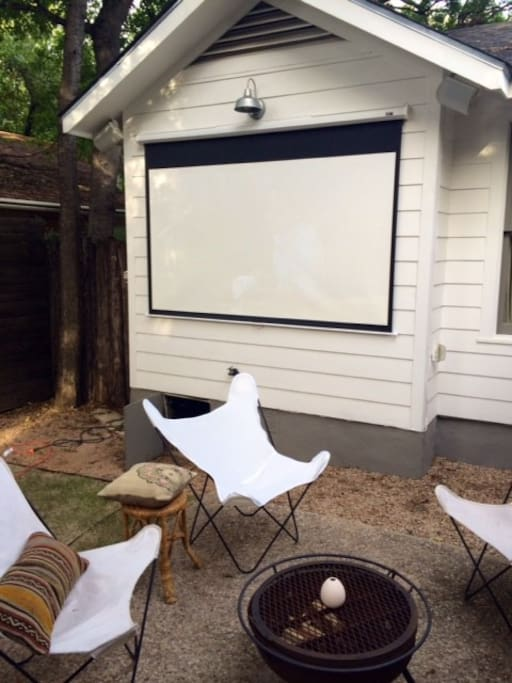 Outdoor fire pit and movies under the stars