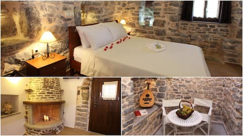 Punti Traditional Suite with patio🏰Medieval Mesta