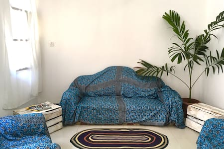 Breezy double room in heart of town - 桑尼巴尔城(Zanzibar Town) - 公寓