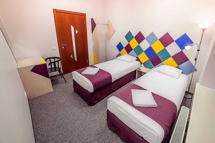 Cozy Twin Room in heart of Riga + parking