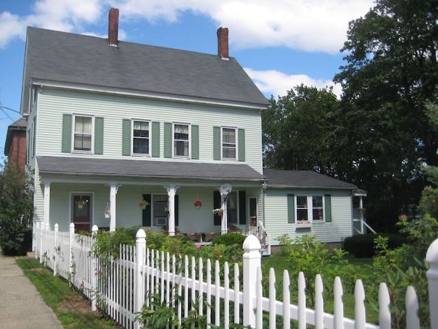 Green Gables,  garden bliss in Maine's sea air