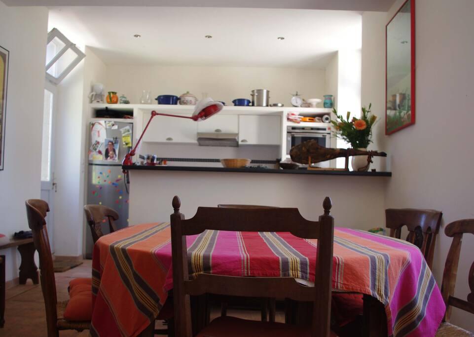 Cuisine salle à manger d'un tenant
