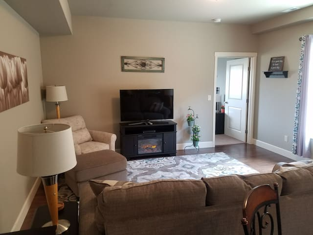 Bright Apartment in Kennewick, WA!