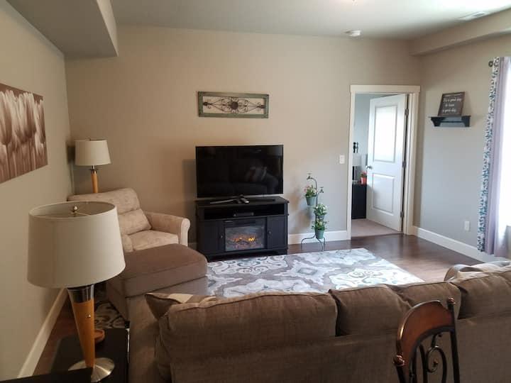Bright Apartment in Kennewick, WA!