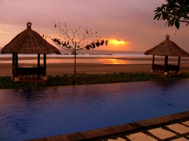 Idylic Bali Beachfront Retreat - West Selemadeg