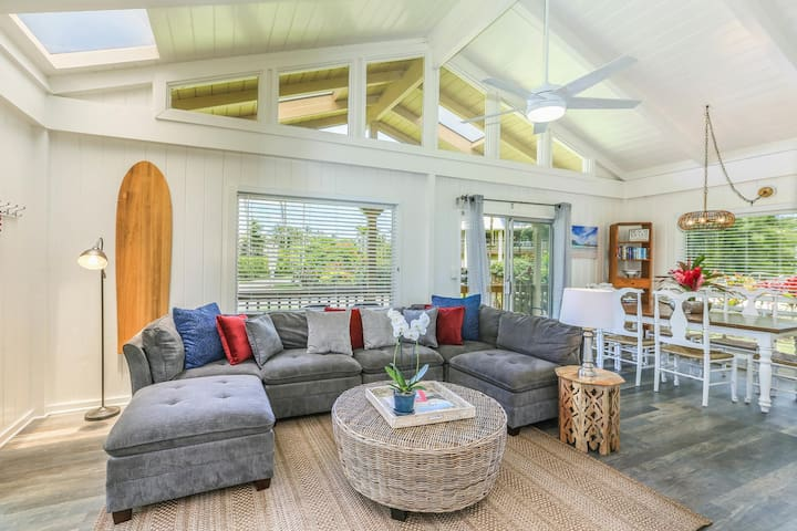 Beautiful, Comfortable, Upgraded Hanalei Home!  Walk to the Beach & Town!