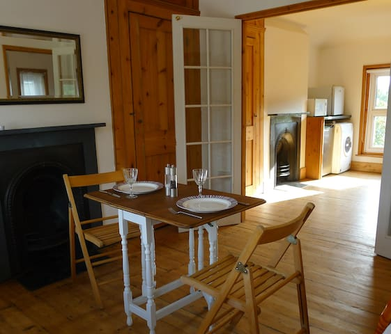 Studio flat for up to 4/5 guests