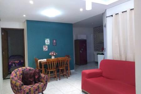 Casa Inteira-2 quartos c/ Ar -Vila Sossego-Garagem