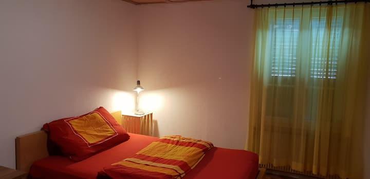 Einfaches Zimmer (2) im Bauernhaus