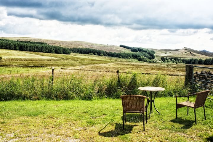 Happy Hare sleeps 2 fully private - Buxton - Apartment