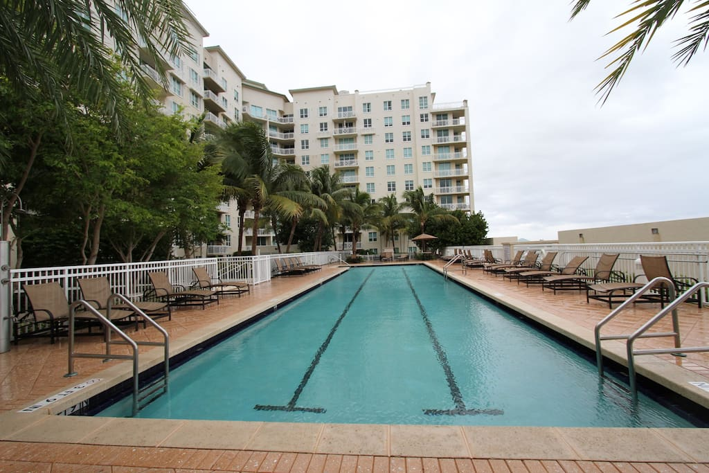 One Bedroom Apartment In Resort Style Building Condominiums For Rent In Boynton Beach Florida