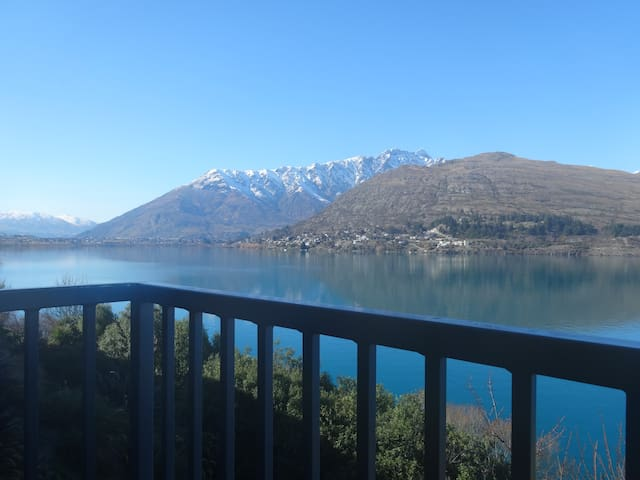 Grand Views, Close To Town & Lake - Queenstown - Appartement