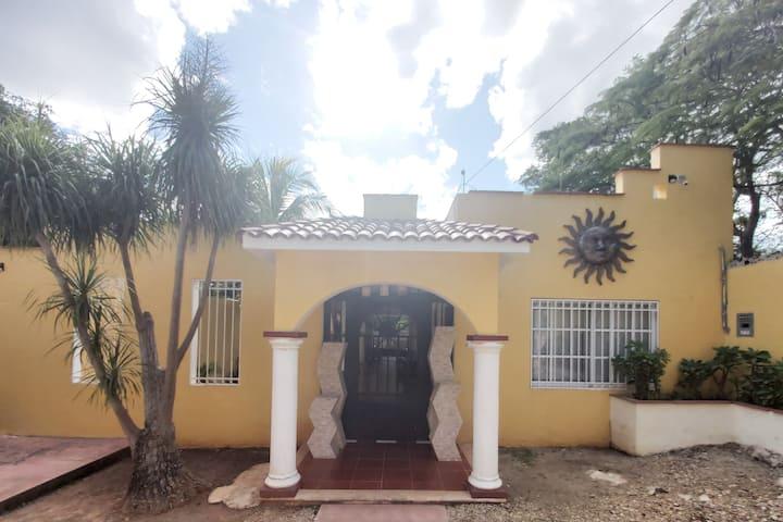 La Casa de los Soles a 2.5 km de Chichen Itzá (4)