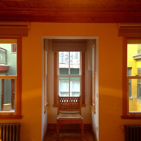 Artfully renovated Fener townhouse - Istanbul - House