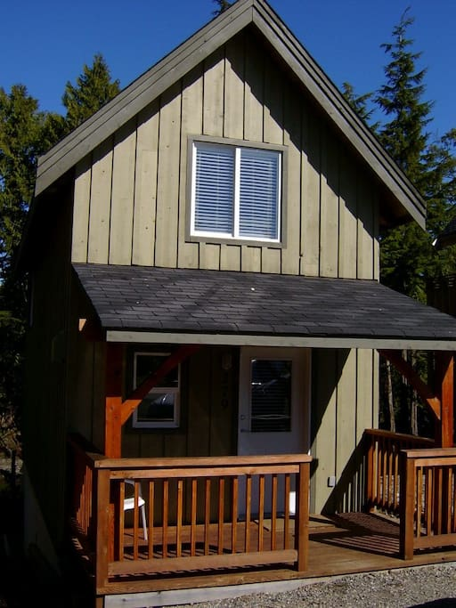 Cozy Ucluelet Waterfront Cabin Cabins For Rent In
