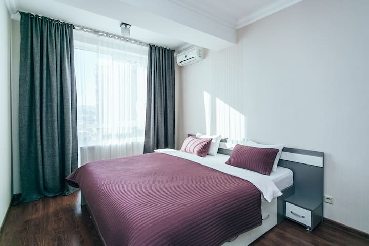 2030 / Comfortable apartment with bedroom and hall