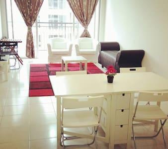 Bangi Hijauan Heights Service Apartment UKM GMI - Kajang - Villa