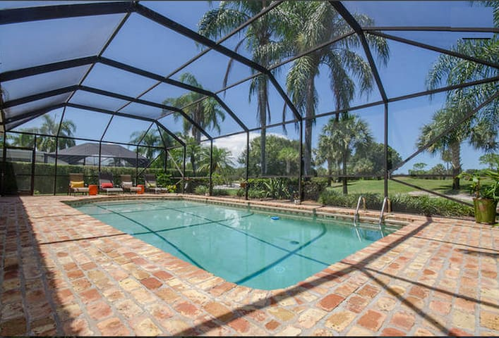 Beautiful 2BD 1BA w/ pool & grill! - Tequesta - Haus