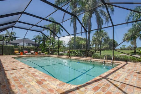 Beautiful 2BD 1BA w/ pool & grill! - Tequesta - Casa