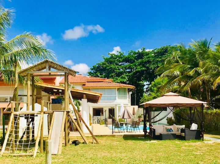 Casa luxo  PÉ NA AREIA Cacha Pregos com um Village
