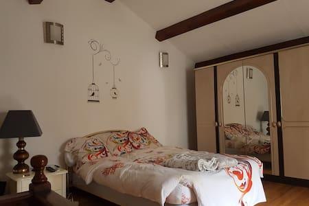 Beau studio vallée Restonica - Corte - Rumah