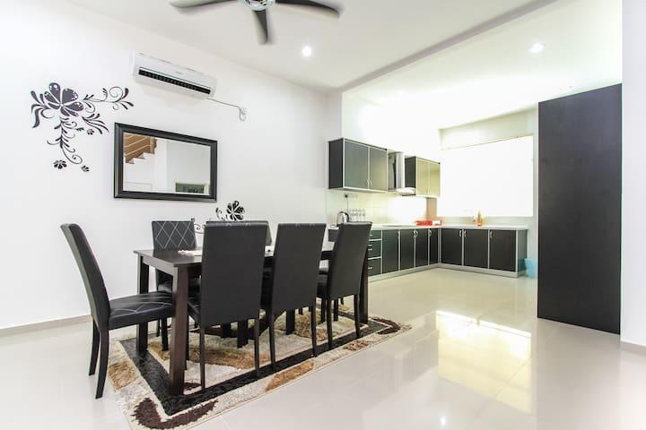 Shamrock Beach Penang Villa 20 - Tanjong Bungah - Villa