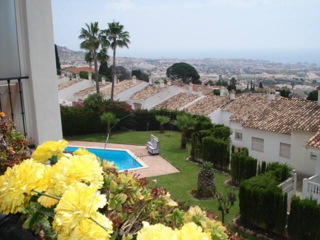 Stunning sea and mountain views! - Benalmádena - Apartment