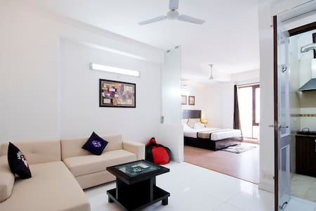 Private Studio @ Green Park near Hauz Khas Vilage - New Delhi