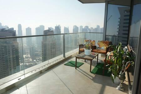Fabulous high floor, luxury en-suite near beach - 두바이(Dubai)