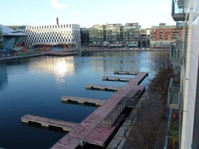 Gran Canal Dock 3 beds apt w/views and balcony - Ringsend - Flat