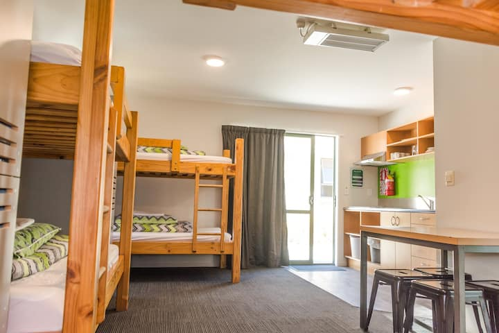6 Bed Private Cabin Ensuite - YHA Wanaka