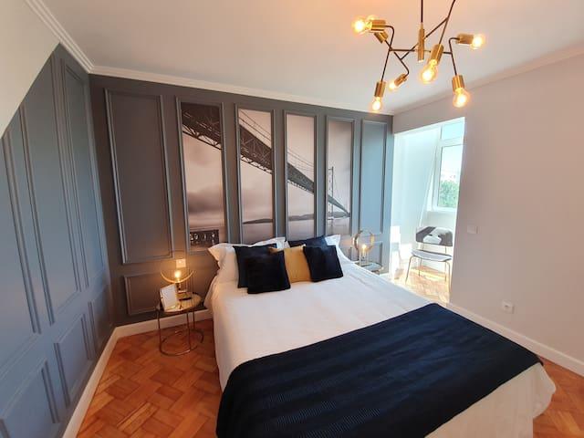 Lisbon Airport Charming Rooms - Tejo Bedroom