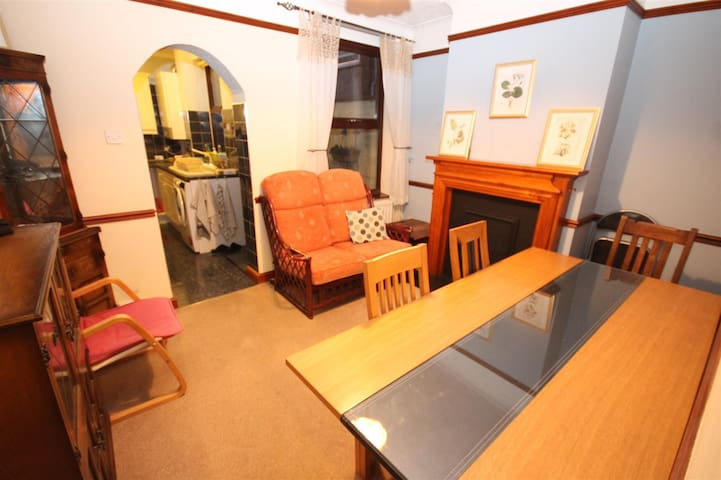 Large double room with own entrance.