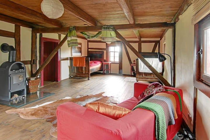Wunderschönes großes Gästezimmer mit Bad und Küche