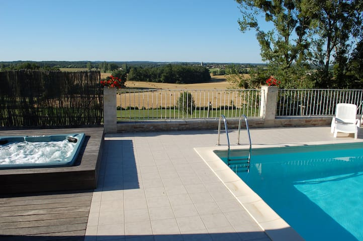Gite LeChai (24) 8/10p + spa + pisc - Saint-Méard-de-Gurçon - Casa